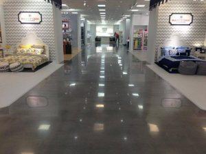 danh bong san sieu thi trung tam thuong mai 300x225 - Dịch vụ đánh bóng sàn siêu thị trung tâm thương mại