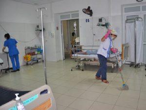 ve sinh benh vien 300x226 - Dịch vụ vệ sinh bệnh viện